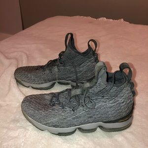 Lebron 15's wolf grey high top size 11.5